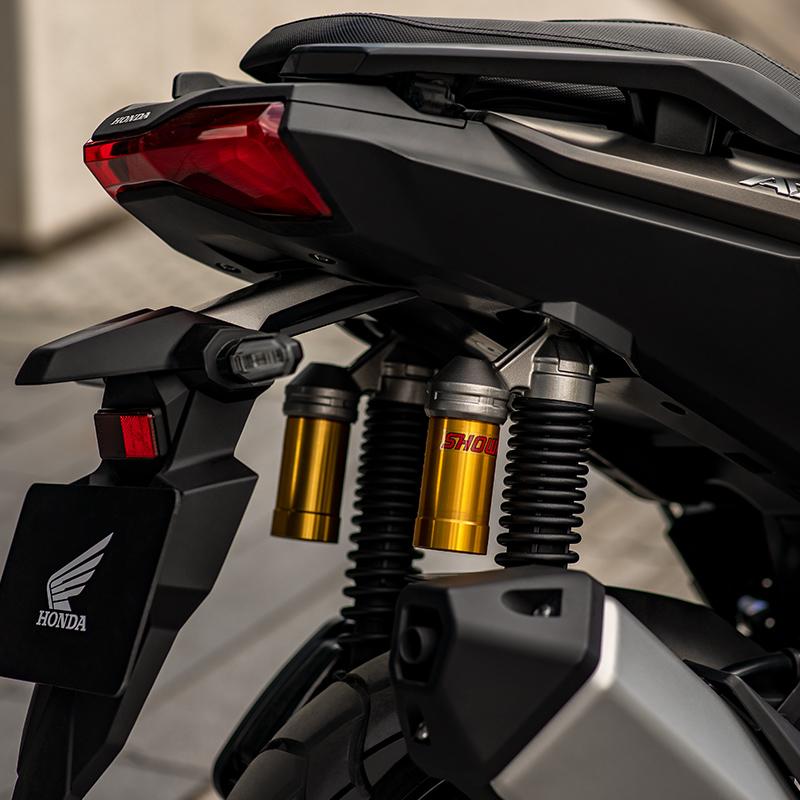 Spesifikasi dan Harga Honda ADV 150 Terbaru