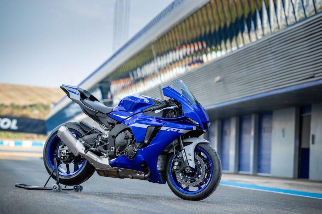 Sejarah Yamaha R1